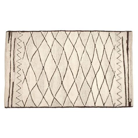 zara home teppich teppich aus wolle mit rauten zara home wool and home