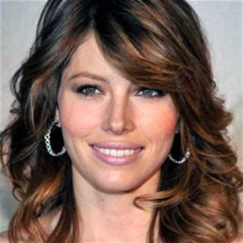 highlights to hide grey in darker hair gray hair with dark highlights short hairstyle 2013