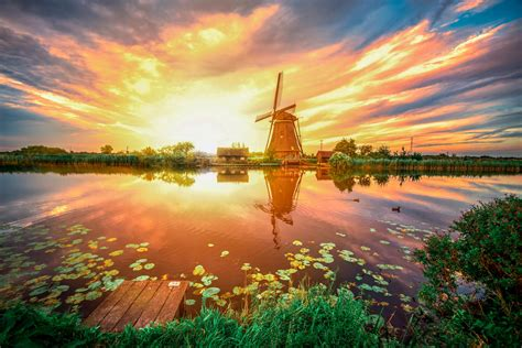 Top Places To Watch The Most Beautiful Sunset In The World