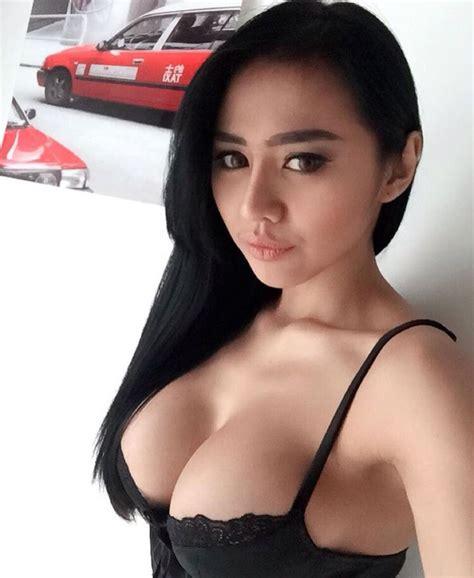 film indonesia hot 2017 model seksi indonesia ini bikin heboh saat kenakan jersey