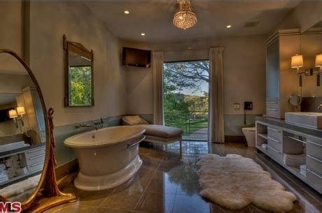 Vanderpump Bathroom - vanderpump s new beverly mansion real estate