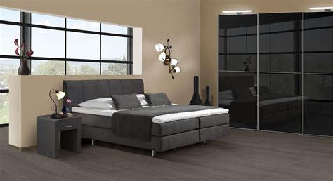 schlafzimmer mit boxspringbett komplett geradlinig modernes boxspring schlafzimmer clermont