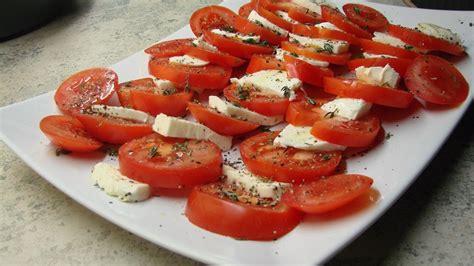 Tomate Mozzarella Schön Anrichten by Tomate Mozarella Italienisch Caprese Genannt Tolle