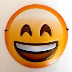 Emoji Mask Happy Face Emoji Smiley Mask Kids Party Fancy Dress Uk