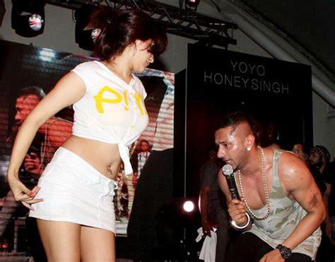 pics on honey singh n his wife universal signs yo yo honey singh