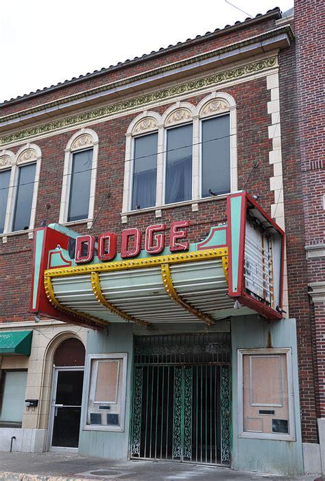 bb theaters dodge city ks kansas theatres roadsidearchitecture