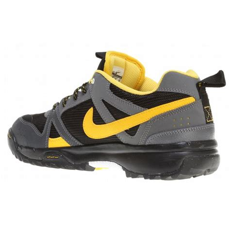 nike hiking boots for on sale nike rongbuk hiking shoes up to 60