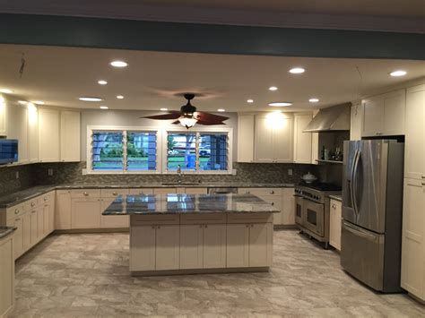 Eggshell Kitchen Cabinets by Eggshell White White C C Cabinets And Granite