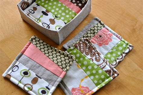 Patchwork Coasters - tutorial patchwork coasters and box things to try