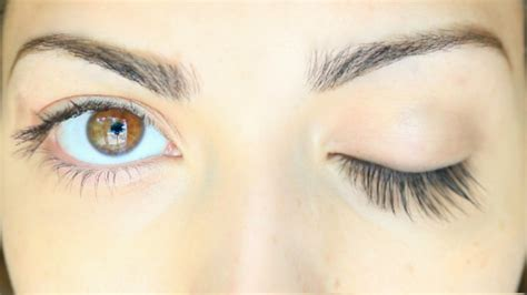 how to make your eyelashes grow longer and thicker naturally