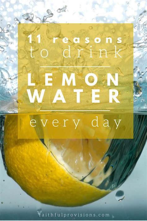 Cold Lemon Water Detox by Best 25 Lemon Water Ideas On Lemon