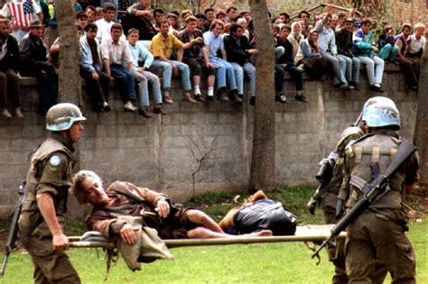 cultura siege social cosa accadde 17 anni fa a srebrenica in bosnia foto