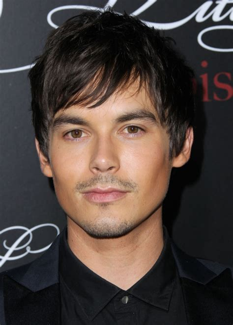 ed westwick weight height ethnicity hair color eye color tyler blackburn weight height ethnicity hair color eye color
