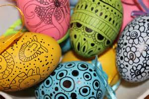 easter egg decorating idea 2 doodled eggs
