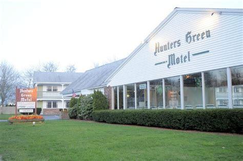 cape cod hotels motels hunters green motel jpg