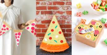 diy decorations deliciously awesome diy pizza party decorations