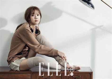 film baru gong hyo jin gong hyo jin is stylish as ever in elle magazine soompi