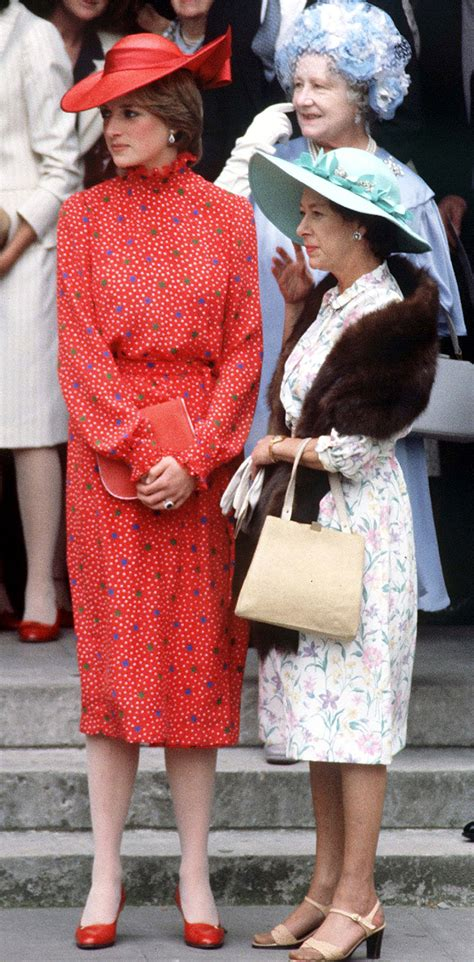 Diana Top Blousd Fashion Casual Bagus Murah princess diana s best fashion looks the evolution of princess diana s fashion