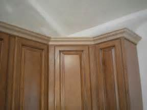 kitchen cabinet crown molding