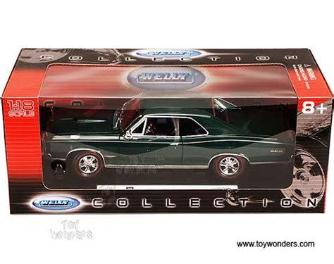 Welly Pontiac 65 Gto Diecast welly pontiac gto top 1966 1 18 green 19856