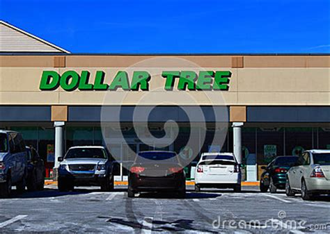 Dollar Tree Discount Gift Card - dollar tree discount store editorial stock photo image 48712908