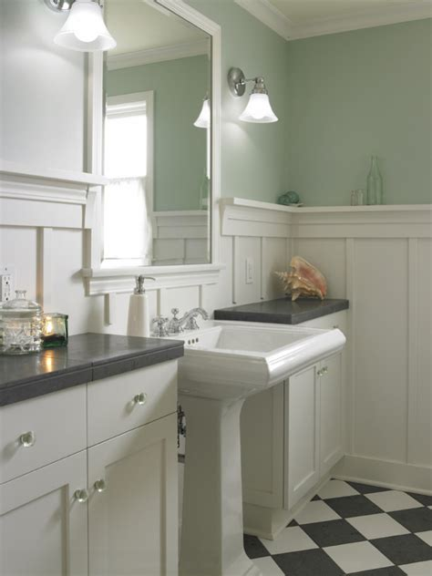 Wainscot Bathroom Pictures by Twine How To Update A 70 S Bathroom