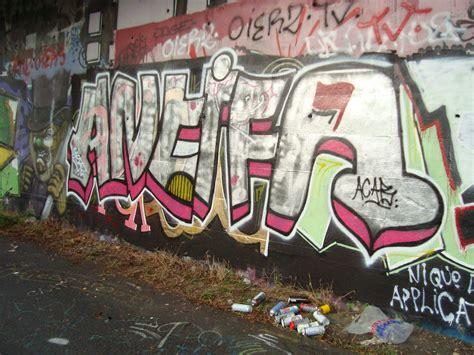 antifa graffiti grenoblois fragment de tags