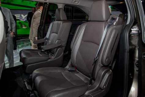 2017 Chrysler Pacifica Seating   Best new cars for 2018