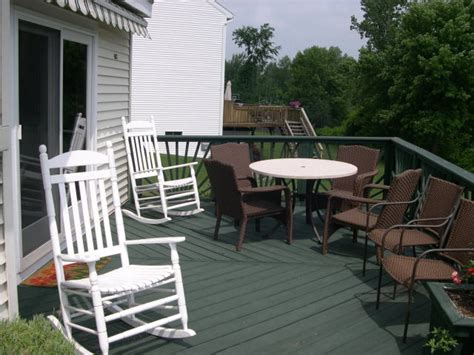 100 deck correct paint colors white railing with top railing and flooring same color and