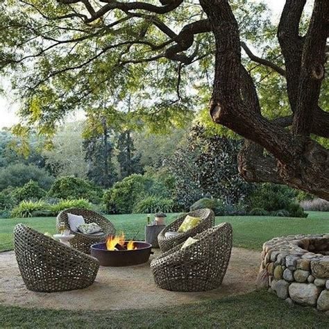 Unique seating ideas for around the fire pit