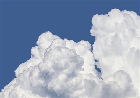2 litri d acqua quanti bicchieri sono quanti litri d acqua ci sono in una nuvola