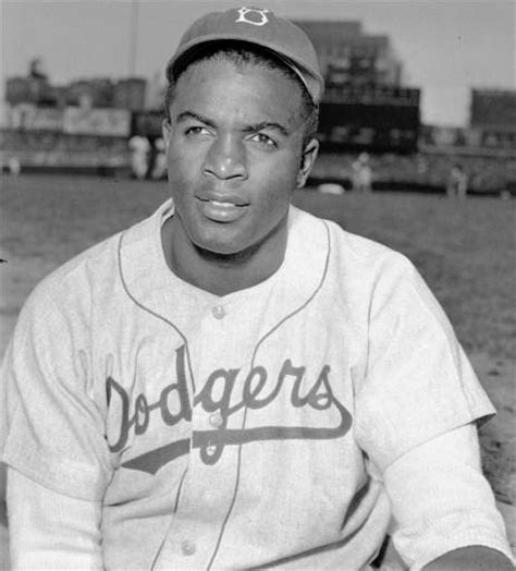 biography facts about jackie robinson jackie robinson