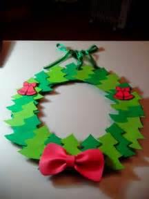 moldes para corona de navidad manualidades corona de 225 rboles de goma eva navidad navidad 2014