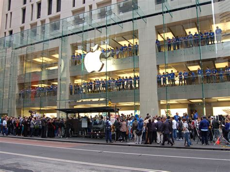 apple store australia launch day iphone 5 fever hits australia macworld