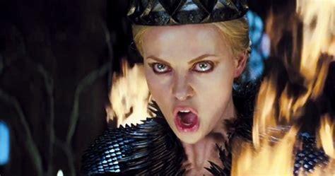 Dress Ori Dina New cele mai tari personaje negative feminine din filmele 2012
