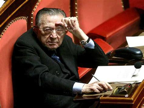 frasi il divo andreotti oggi compie 94 anni auguri al senatore dal mondo