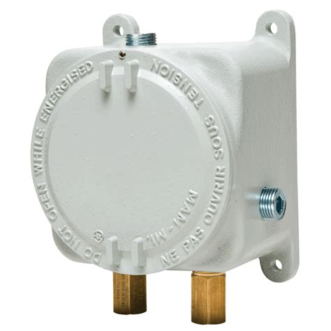 Pressure Switch Pressure Pro Instrument series at11910 atex approved 1910 differential pressure switch combines advanced design and