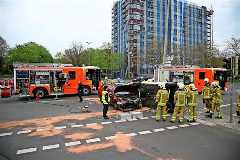 Meine Stadt Auto by Unfall Hannover Taxi St 246 223 T An Karl Wiechert Allee In