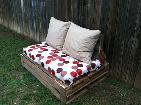 pallet couch cushion ideas 17 best images about pallet projects on pinterest love