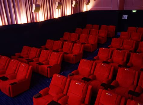 reclining seats movie theater nyc movie theater with recliner seats nyc photos manhattan s