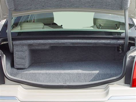 lincoln town car trunk 2003 lincoln town car reviews and rating motor trend