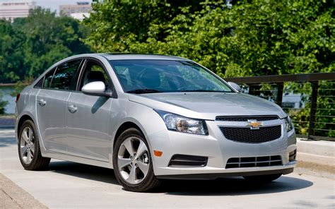 chevy cruze 2012 chevrolet cruze reviews and rating motor trend
