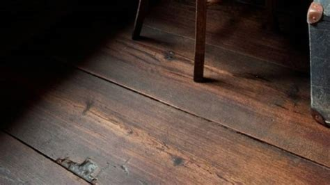 four benefits of luxury handscraped vinyl plank floors