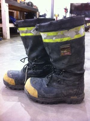 boat names for electricians safety footwear standards explained style guru fashion