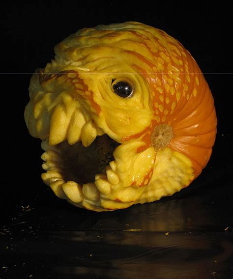 Best Halloween Pumpkin Carvings - this guy makes the scariest pumpkin carvings ever bored panda