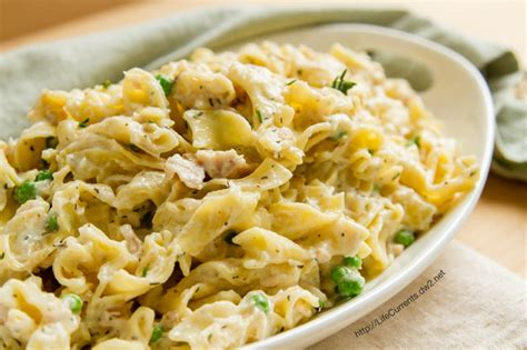 simple tuna noodle casserole recipe easy tuna noodle casserole