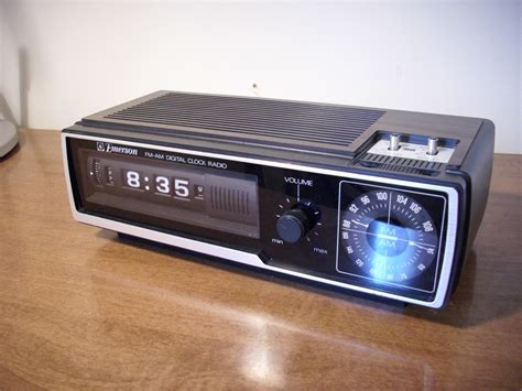 Dcf Number Search File Emerson Dcf 80 Flip Number Alarm Clock Radio Front Jpg Wikimedia Commons