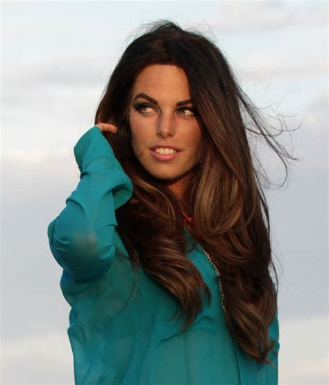 adriana lima s hair layers and soft balayage long brown hair brunette adriana lima doppelg 228 nger