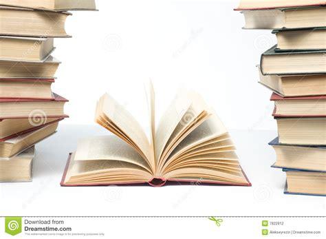 image gallery imagenes de libros abiertos libros abiertos foto de archivo imagen de papel studying