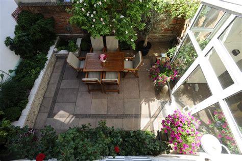 kleine pools für den garten kleine g 228 rten patio atrium zinsser gartengestaltung